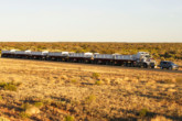 Land Rover Discovery traina da road train da 110 in Australia