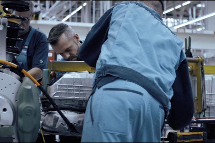 Bmw i8 Roadster: il video teaser