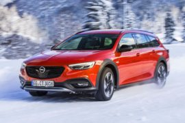 Opel Insignia Country Tourer with high-tech 4x4