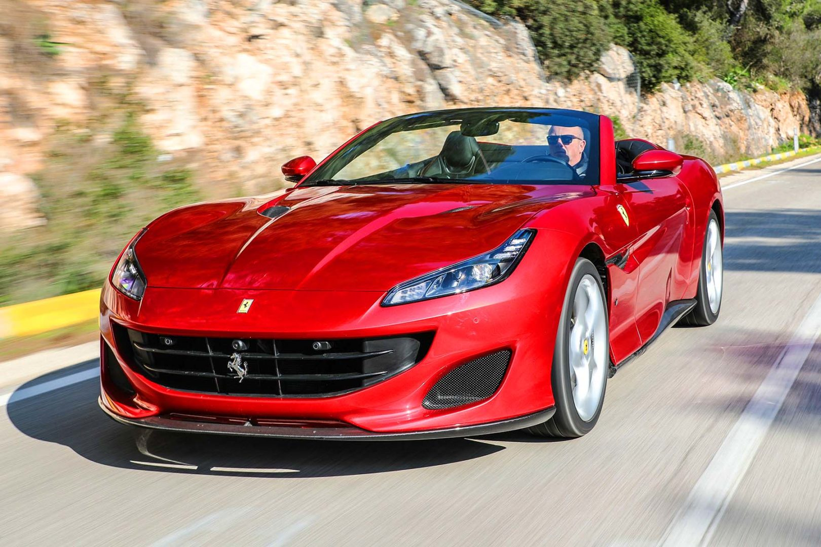 portofino test, due ferrari in un solo corpo: coupé e spider con 600