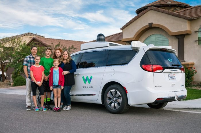 Chrysler Pacifica Hybrid Waymo