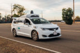 Auto Waymo attacate in Arizona
