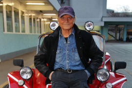 Terence Hill torna sulla Dune Buggy per aiutare i bambini ungheresi 1