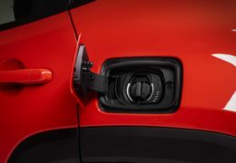 Jeep-Renegade-Plug-in-Hybrid-12-260x180.jpg