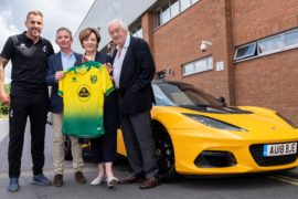 Lotus presenta il nuovo logo, partnership col Norwich City football Club 2