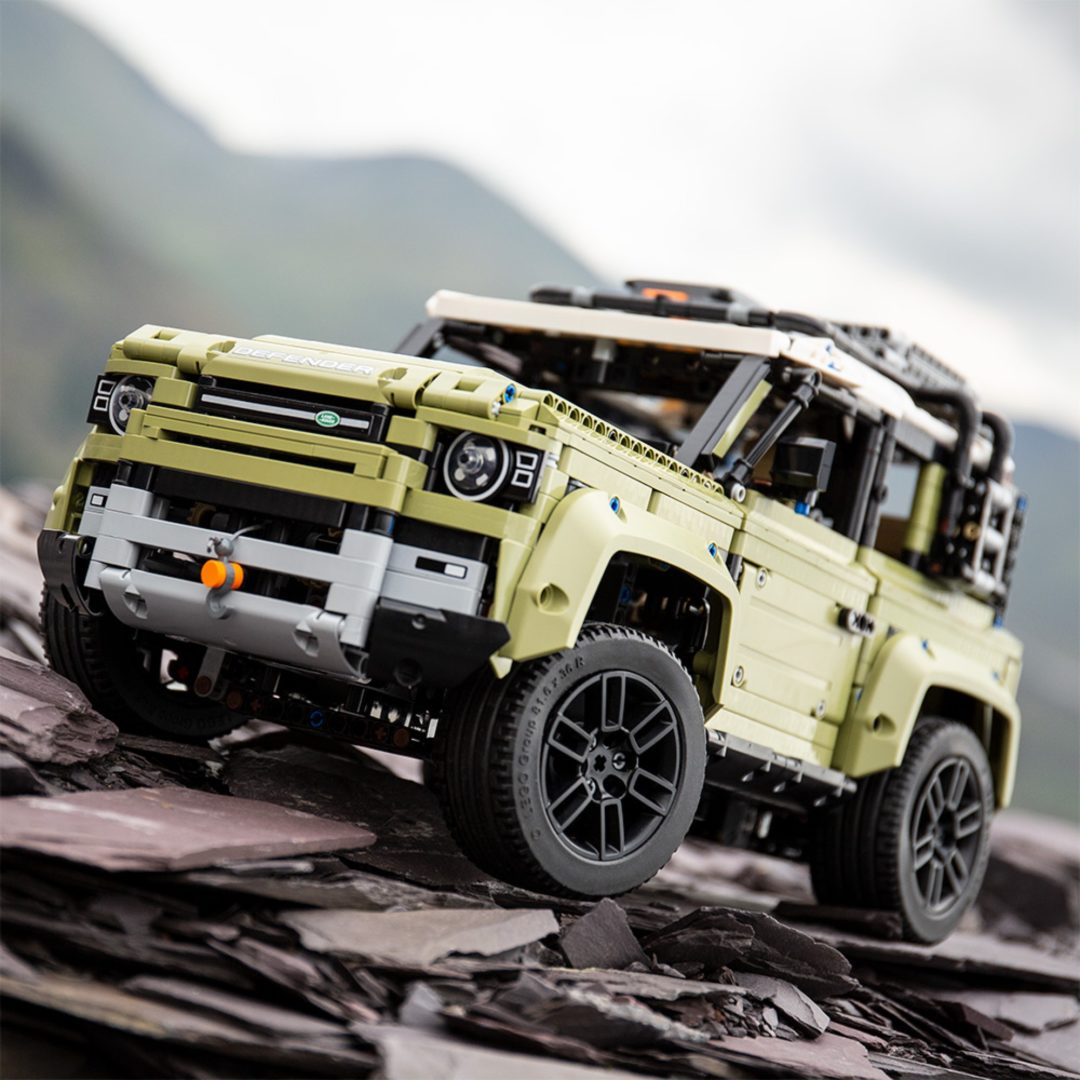 Land Rover Defender di Lego Technic 17