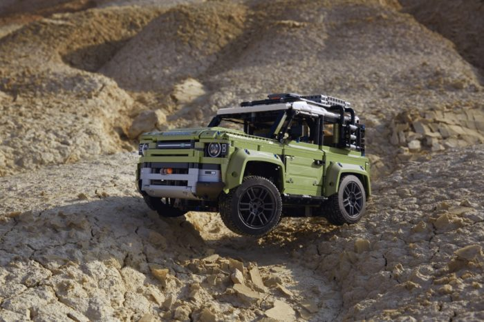 Land Rover Defender di Lego Technic 4