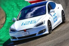 Tesla Model S, record a Laguna Seca in 1 minuto e 36 secondi