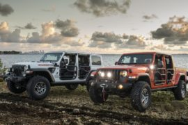 Jeep Wrangler e Gladiator Three o Five