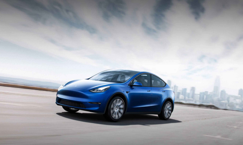 Tesla apre la fabbrica europea in Germania - La prima auto è Model Y