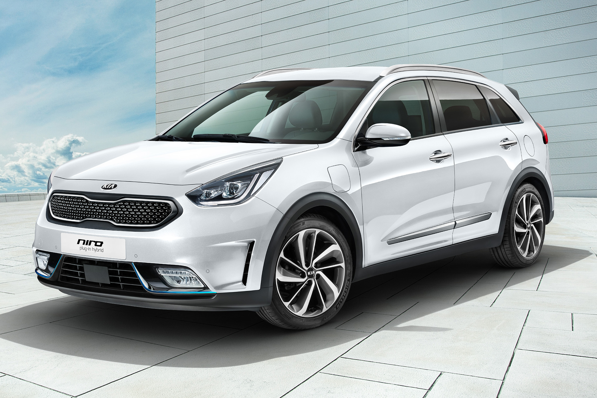 kia niro plug in hybrid il crossover ibrido alternativa. Black Bedroom Furniture Sets. Home Design Ideas