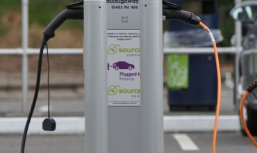 charge-point-1645270_960_720-370x220.jpg